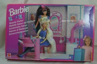 006 - Barbie playline furniture