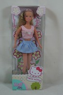 014 - Barbie doll playline - several dolls