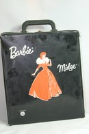 014 - Barbie vintage carry cases