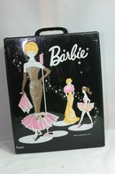 019 - Barbie vintage carry cases