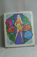 027 - Barbie vintage carry cases