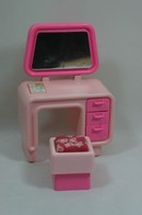 030 - Barbie playline furniture