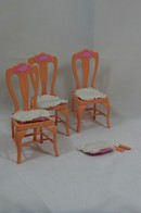 036 - Barbie playline furniture