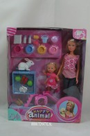037 - Barbie doll playline - several dolls
