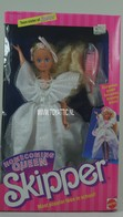 038 - Barbie doll playline - several dolls
