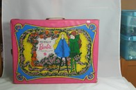 047 - Barbie vintage carry cases