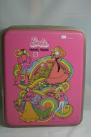 048 - Barbie vintage carry cases
