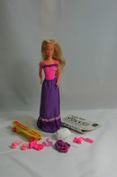 049 - Barbie doll playline - several dolls