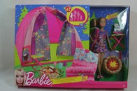 056 - Barbie doll playline - several dolls