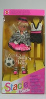 081 - Barbie doll playline - several dolls