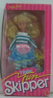 092 - Barbie doll playline - several dolls