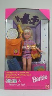 096 - Barbie doll playline - several dolls
