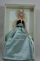 099 - Barbie silkstone fashion model