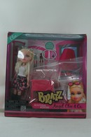 109 - Barbie doll playline - several dolls