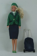 140 - Barbie doll playline - several dolls