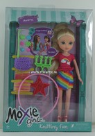 168 - Barbie doll playline - several dolls