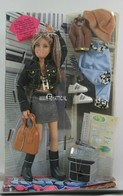 192 - Barbie doll playline - several dolls