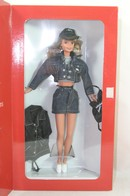 343 - Barbie doll collectible